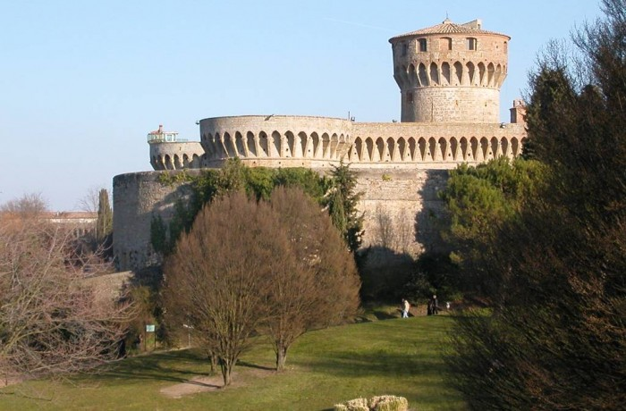 Tour di Volterra